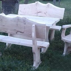 Kerti támlás pad Asztalok székek ülőkék sokféle kivitelben