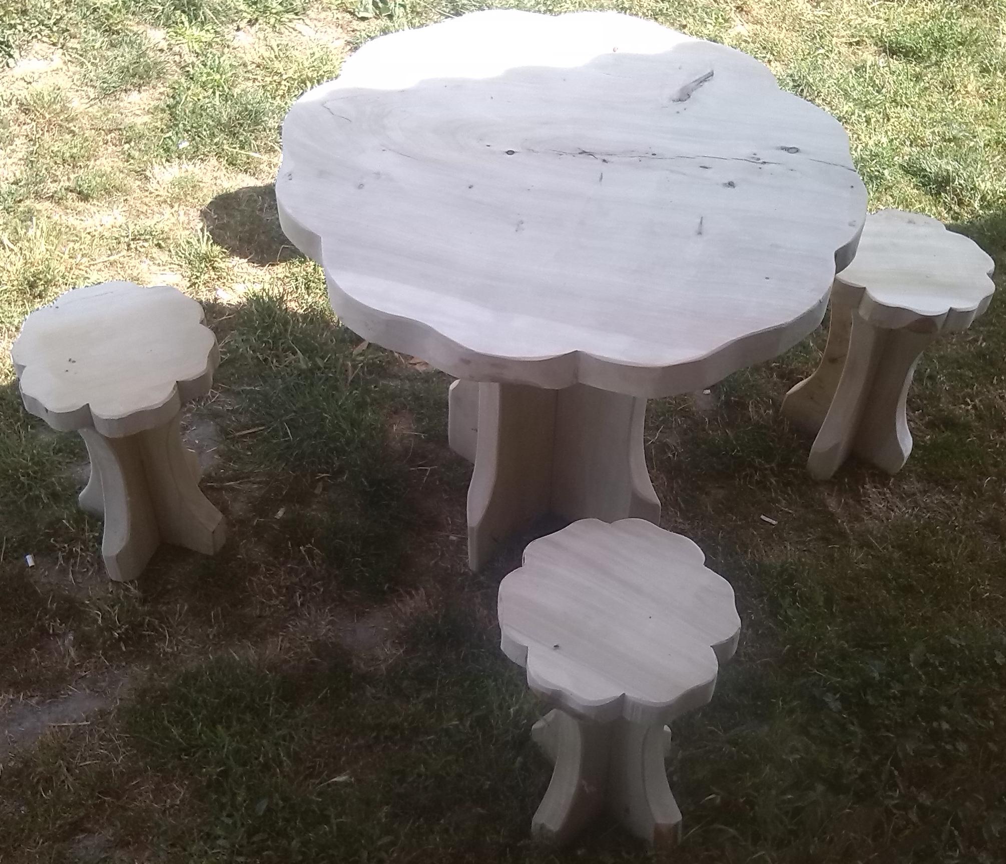 Asztalok székek ülőkék sokféle kivitelben